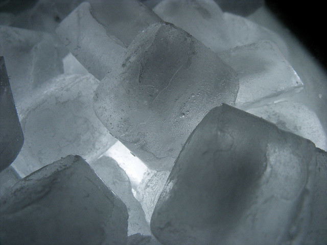 Priapismus: Erste Hilfe mit Eiswürfeln